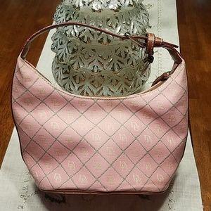 Handbags - Dooney & Bourke Smalll Pink Purse 👜
